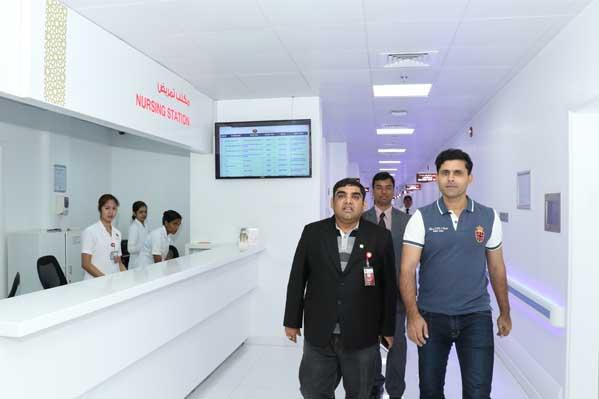 Cricketer Abdul Razzaq Visits Thumbay Hospital Dubai 2