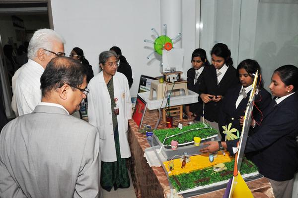 Gulf Medical University, Ajman hosts GMU MASE 2013 – Biggest Medical & Science Exhibition for students